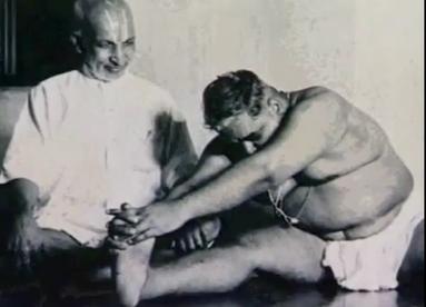 krishnamacharya-with-a-fat-man